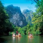 Rafting sulle zattere con Escursioni Khao Sok Tours, ogni giorno da Khao Lak