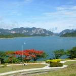 Beeindruckende Natur rund um den Cheow Lan See in Khao Sok.
