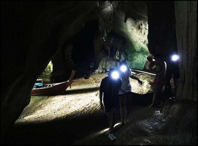 Tham Kaew Drive-In Cave